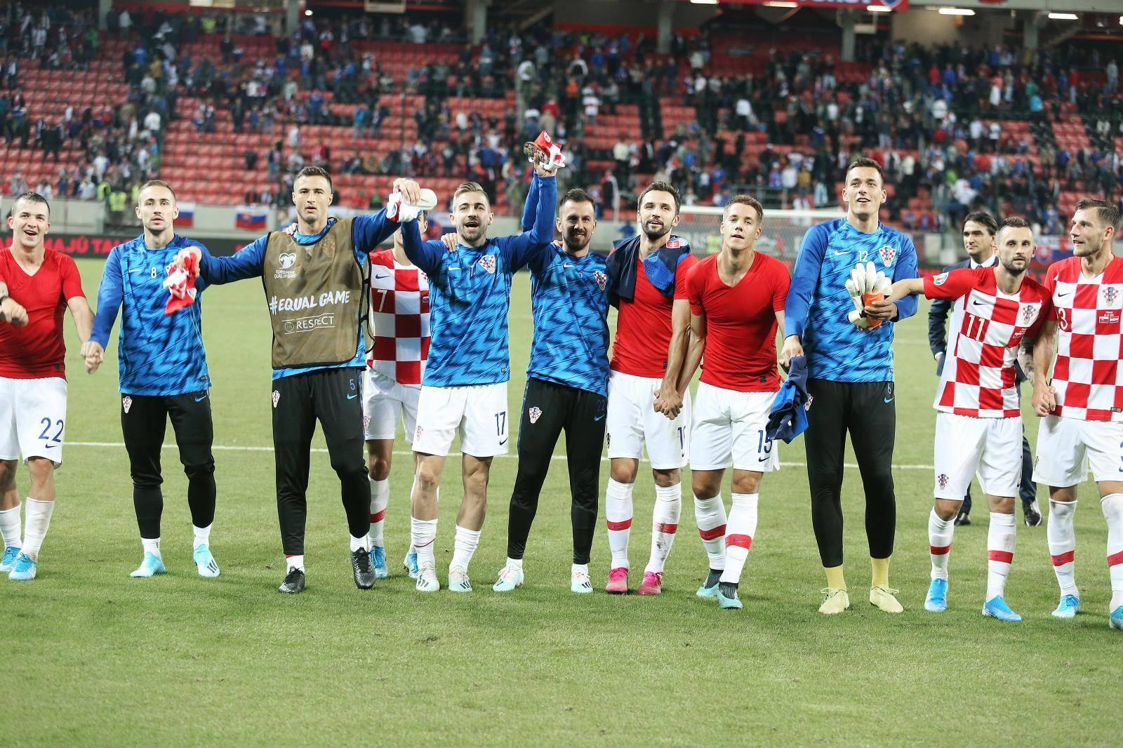 Trnava: Slavlje reprezentativaca nakon što su pobijedili Slovačku 4:0