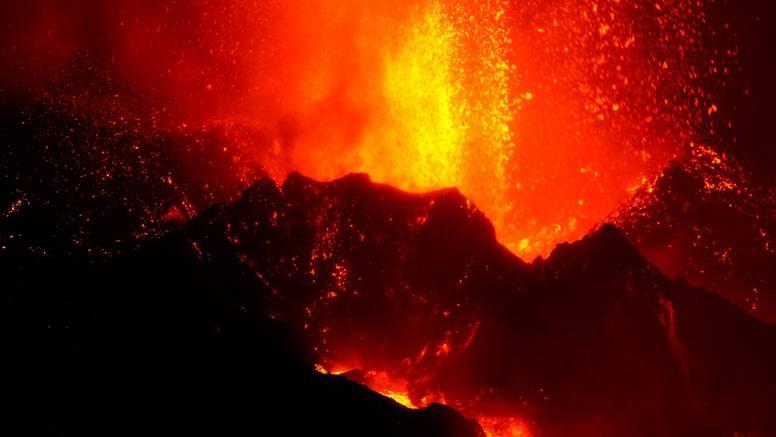 Vulkan na Kanarima ne miruje: Padali blokovi lave veličine zgrada, potresi i dalje česti