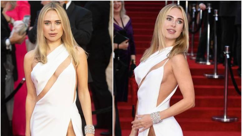 Modna dizajnerica 'ukrala' svu pažnju na premijeri filma, svi se pitaju nosi li išta ispod haljine