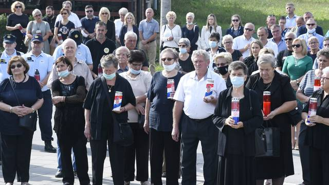 Petrinjci se prisjetili 589 ubijenih civila i poginulih hrvatskih branitelja