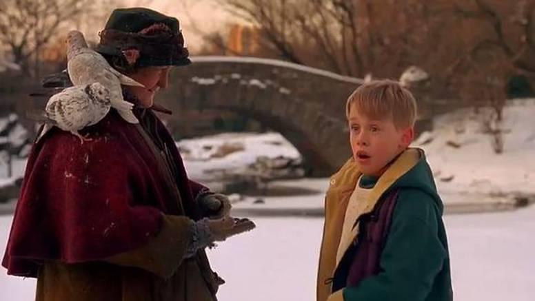 Žena s golubovima iz filma 'Sam u kući': 'Stara  sam i živim sama'