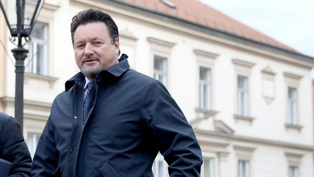 Zagreb: Ministri dolaze na sjednicu Vlade