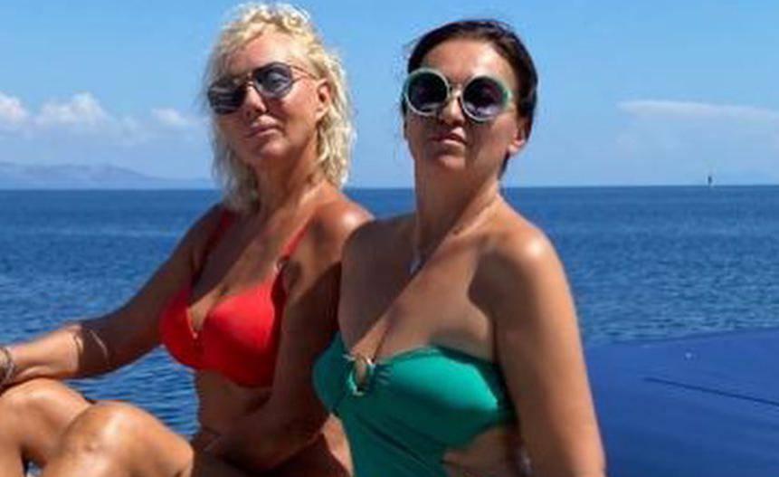 Lepa Brena i Badrić uživaju u čarima Visa: Pozirale u badiću