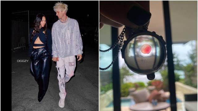 Dečko Megan Fox nosi kapljicu njene krvi oko vrata: 'Paničario sam jer ju nisam mogao vidjeti'