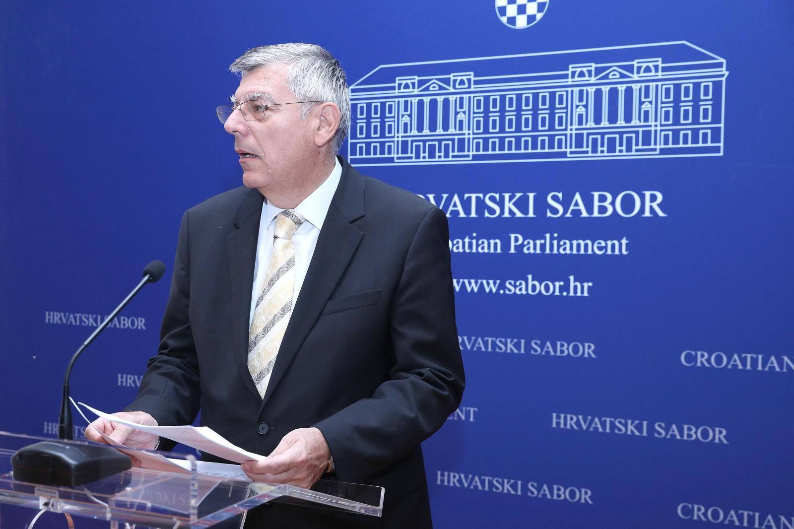 Klub zastupnika HDZ-a o prijedlogu zakona o blagdanima, spomendanima i neradnim danima