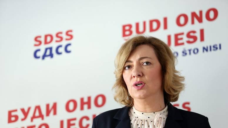 Zastupnica SDSS-a osudila je plakat iz Rijeke: Srbe poziva da se izjasne kao Hrvati: 'Sramota'
