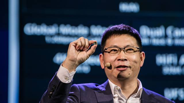 Brži od iPhonea? Huawei otkrio čip s umjetnom inteligencijom