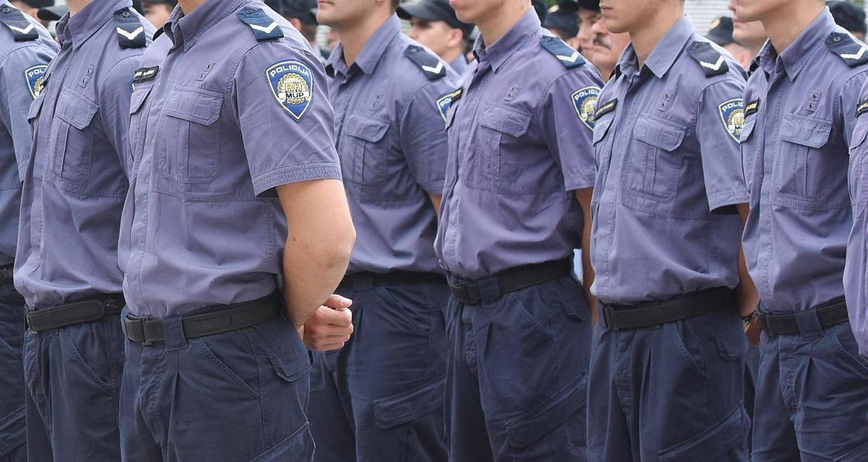 Pobjeda: Policajci se u službu mogu primati ako su tetovirani