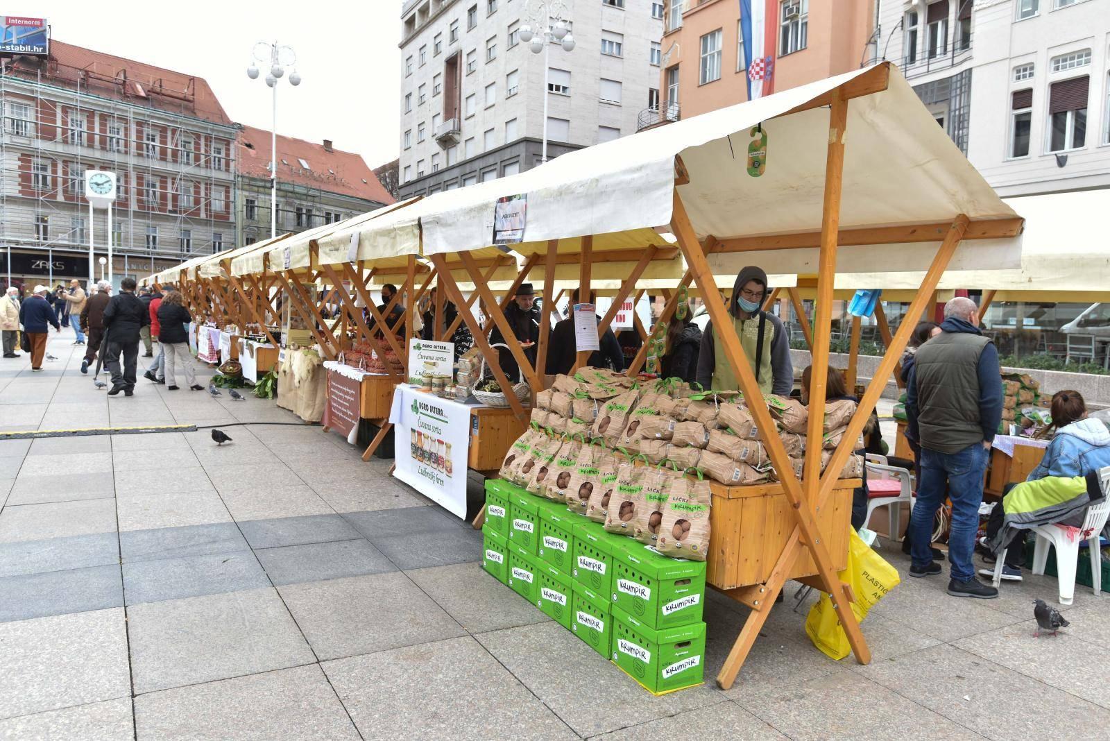 Zagreb: Na Trgu bana Jelačića otvoren 6. sajam zimnice i autohtonih proizvoda