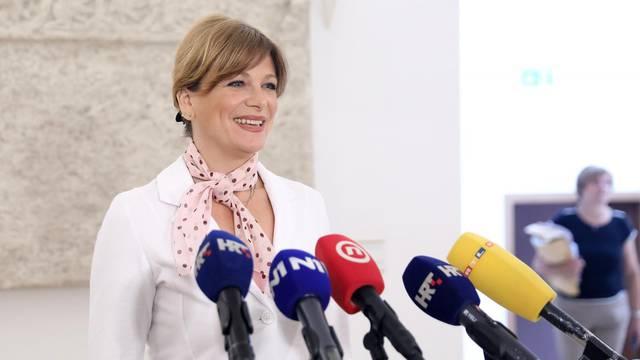 Zagreb: Karolina Vidović Krišto o nošenju maski u Saboru