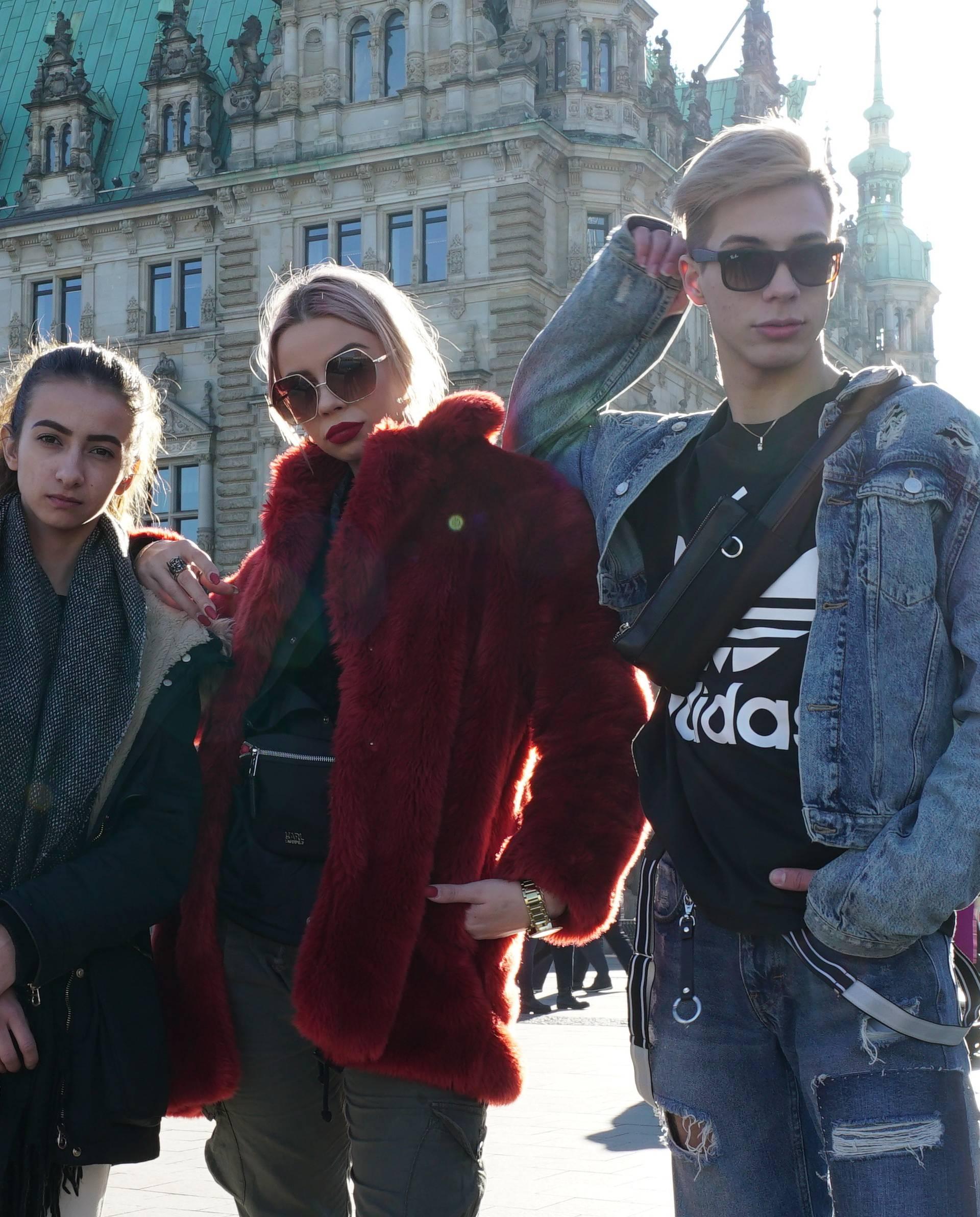 Youtuberica Petra u Hamburgu pjevala Zokijev hit  'Autotune'