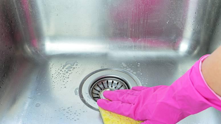 Evo kako da sudoper bude čist kao da je sad došao iz trgovine