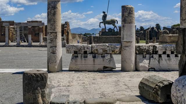 Reopening of Pompeii excavations