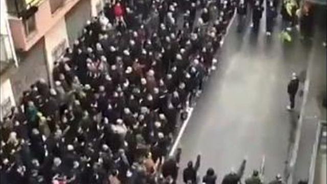 Kaos na ulicama u Milanu: Preko 800 desničara skandiralo u znak sjećanja na Ramellija