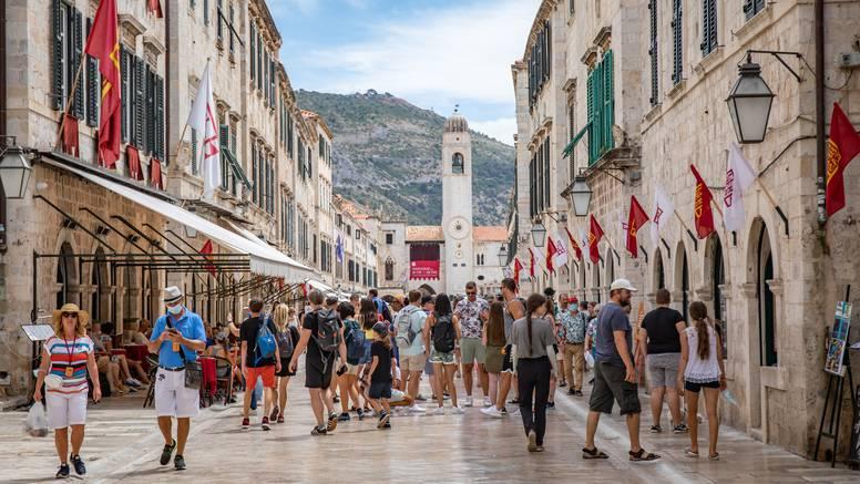 Dubrovnik u srpnju imao samo 53 posto noćenja iz dobre 2019. Ali su sretni - dolaze im bogati