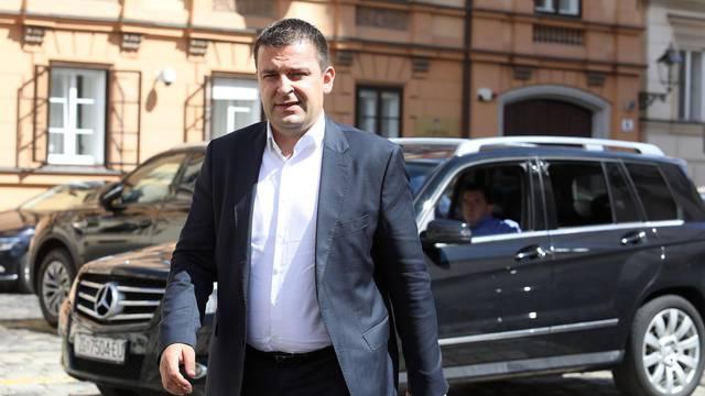 Zagreb: Predstavnici stranaka iz vladajuće koalicije doalze na sastanak u Banske dvore