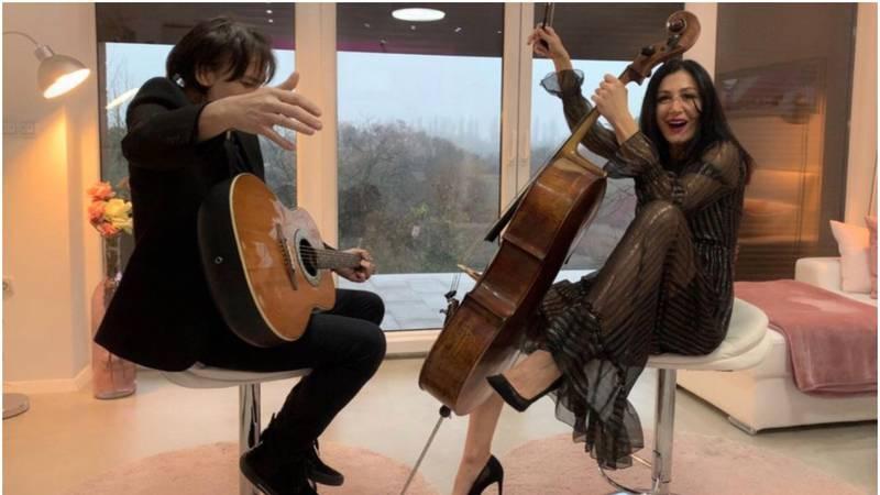 Ana i Kalember opet zajedno u spavaćoj sobi: Stvaramo glazbu