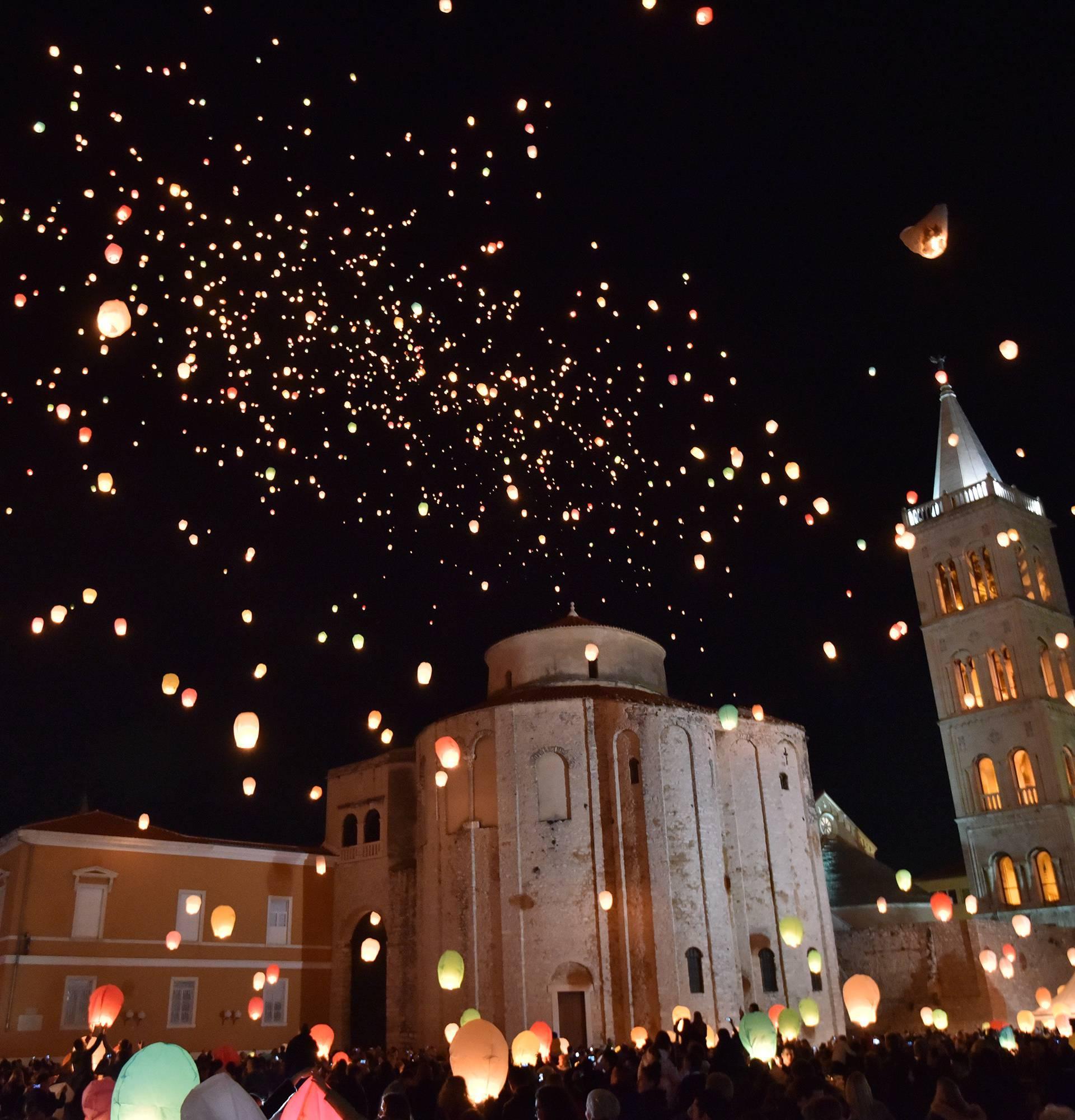 Nedjeljni spektakl: Zadarsko nebo 'gorjelo' od lijepih želja