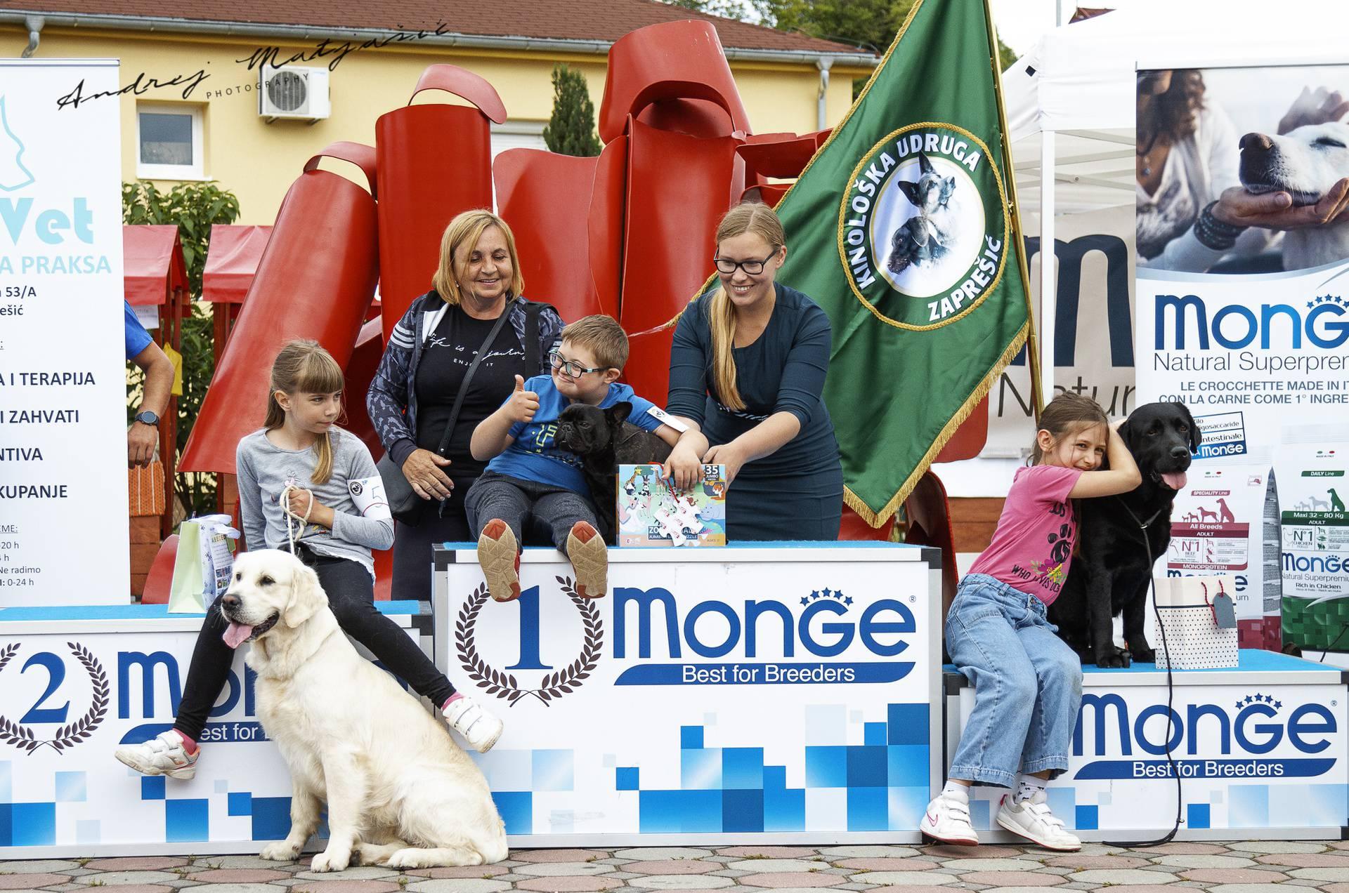 Izložba pasa: Luka je proglašen najboljim vodičem, a prvo je nazvao mamu: Pobijedio sam!
