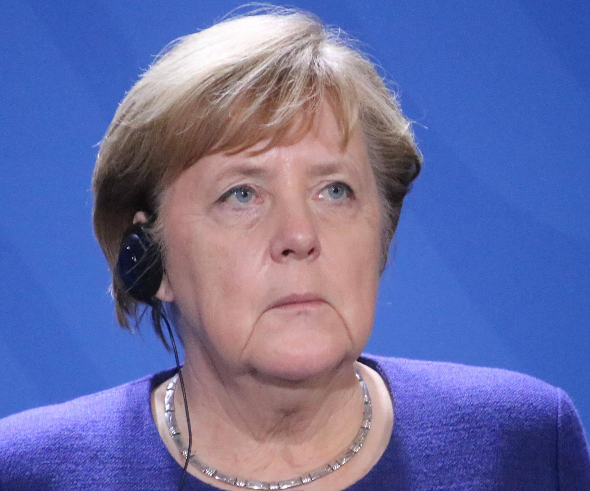 Merkel se nasmijala: 'Nosim li masku? Uhvatite me u trgovini'