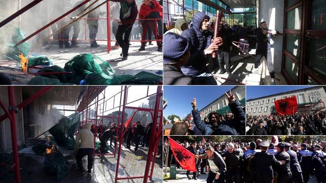 Policija rastjerala prosvjednike: Razbijali zgradu vlade u Tirani