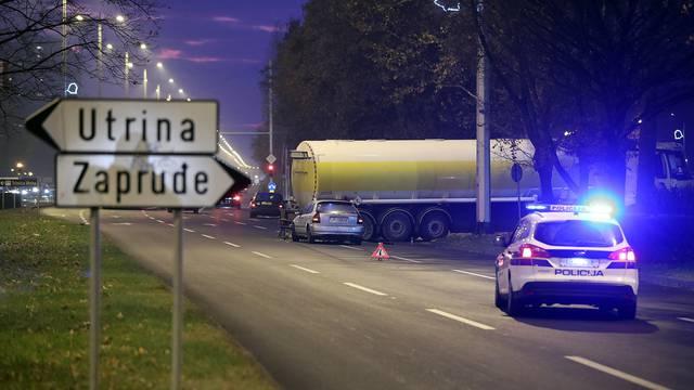 Sudar u Zagrebu: Automobil se zabio u cisternu na benzinskoj