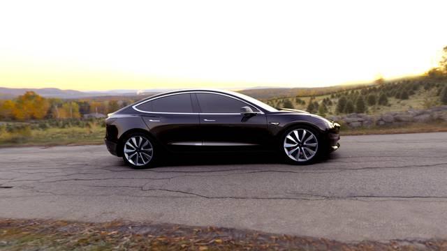 'Ljudi žele odličan automobil': Teslu naručilo 400.000 kupaca