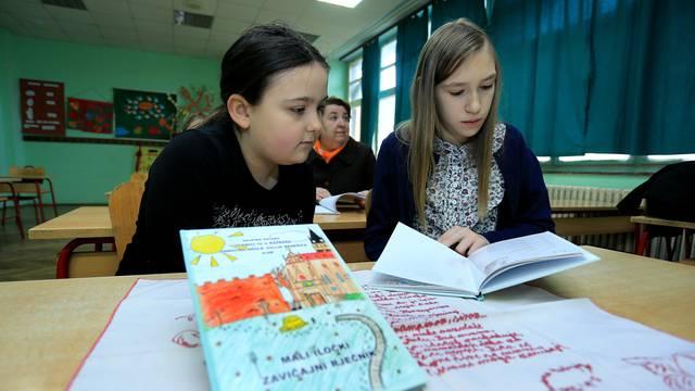 Dali su si truda: Četvrtaši sami napisali rječnik iločkih djedova