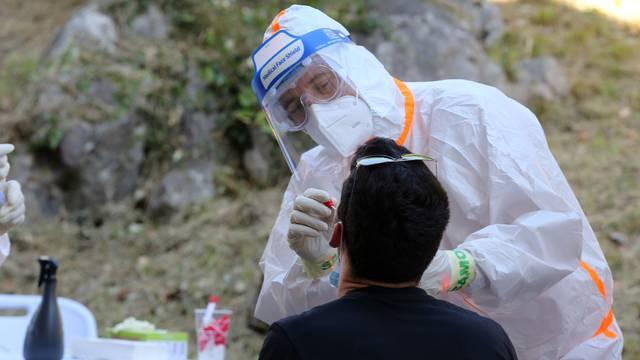Opatija: Građani se mogu testirati na koronavirus u šatoru postavljenom kod Doma zdravlja