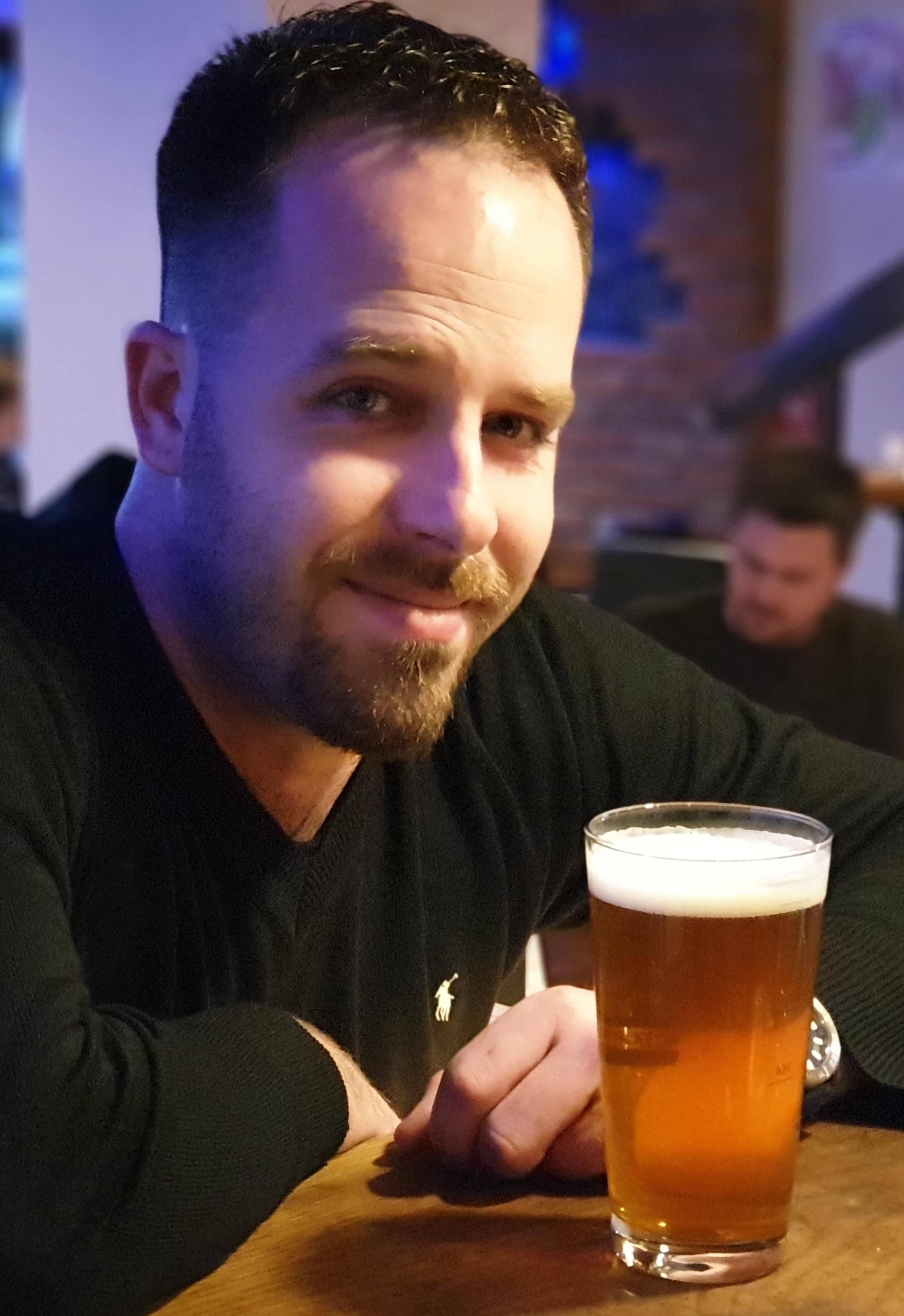 Najveća laž koju muškarac kaže ženi: 'Idem na jedno pivo.'