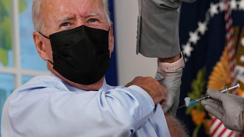 Joe Biden primio je treću dozu cjepiva protiv Covida-19: Uskoro će je primiti i moja supruga