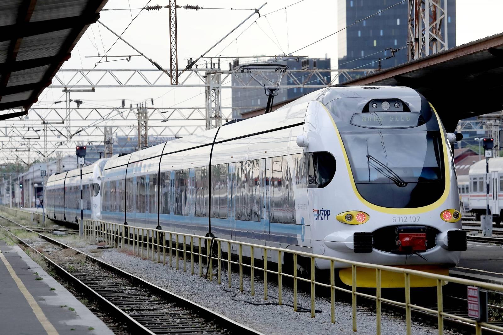 Zagreb: Od danas normaliziran putnički i željeznički promet