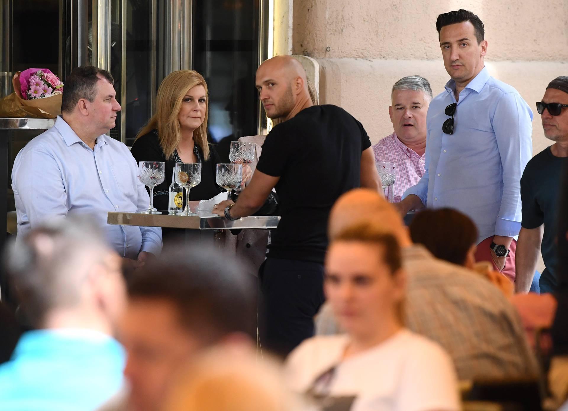 Grabar-Kitarović, nova članica MOO, na piću sa suprugom, Zlatkom Matešom i kolegama