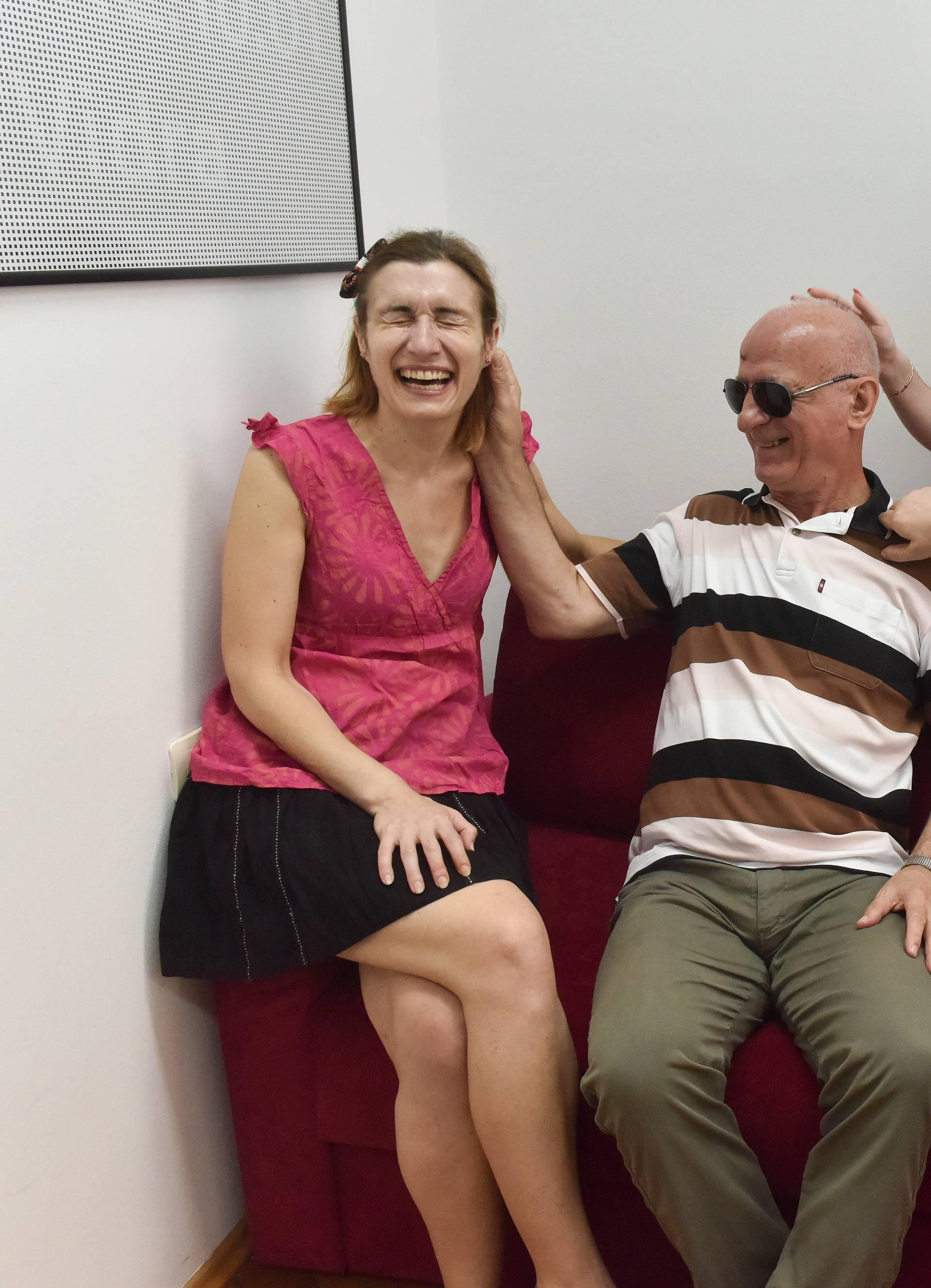 Slijepi glumci kazališta Novi Život: U birtiju možemo i sami!