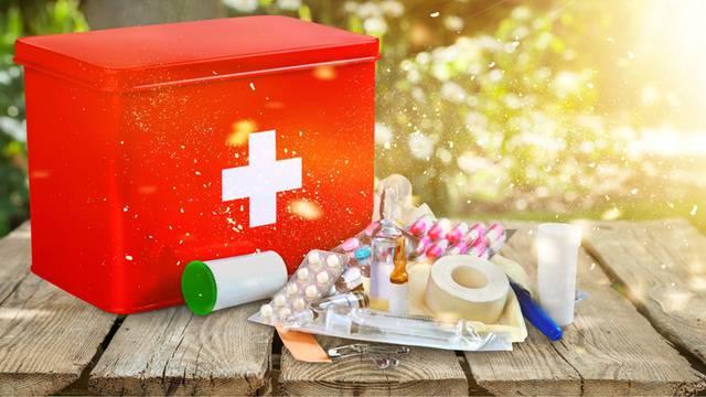Putna ljekarna: Liječnik otkriva koje lijekove i sredstva trebate imati uz sebe za prvu pomoć