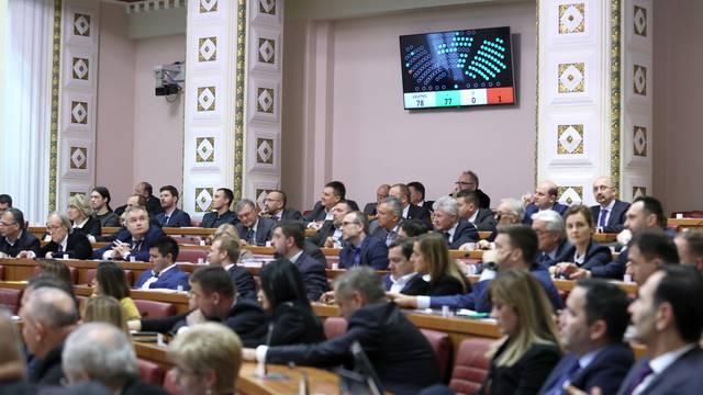 Zagreb: Sabor izglasovao novi Zakon o udomiteljstvu i Vladinu mirovinsku reformu