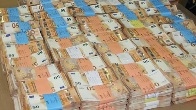 Kako izgleda 1,8 milijuna € na stolu? Evo, Slovenci znaju kako