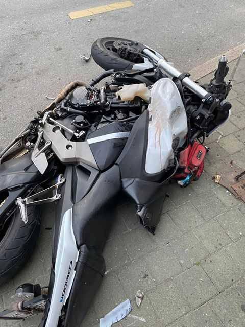 Autom  pokupio motociklistu:  'Čula sam udarac, motociklist je doslovno letio zrakom...'