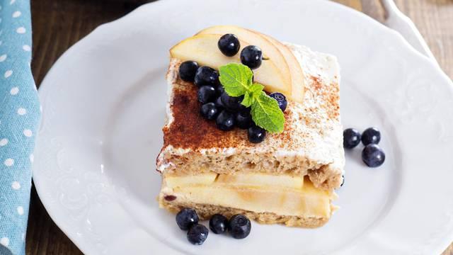 Puding od kruha i jabuka: Fini desert kakav još nište kušali