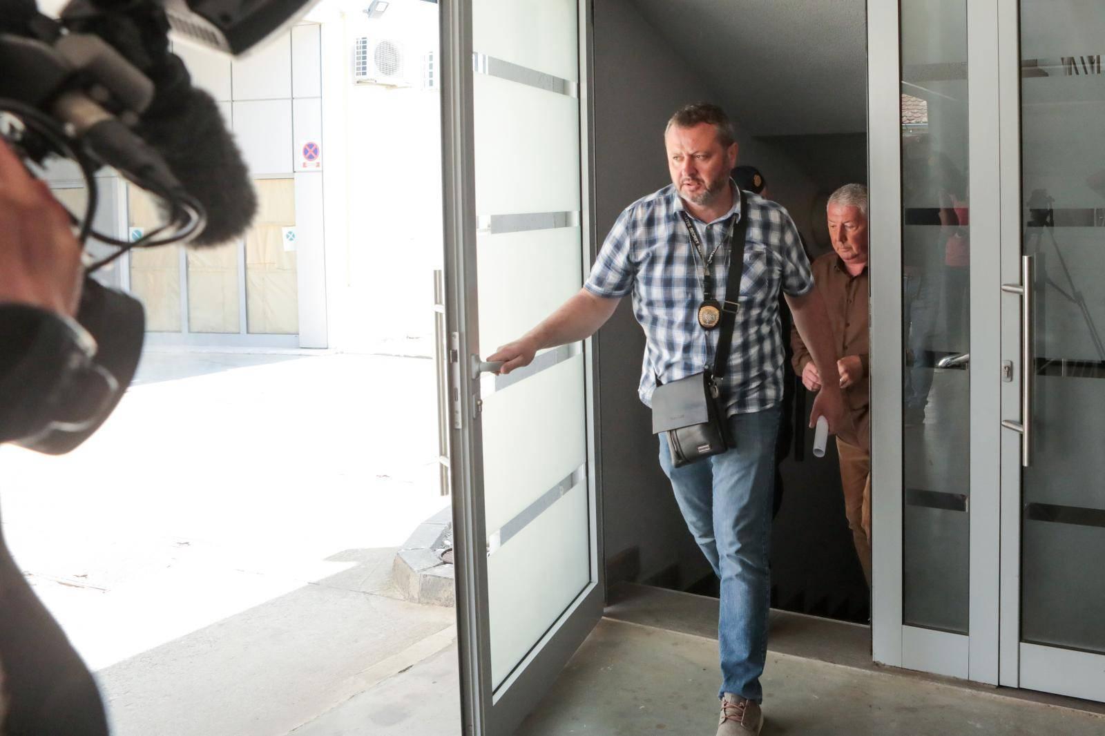 Osijek: Sudac Zoran Vekić odlazi u pratnji istražitelja