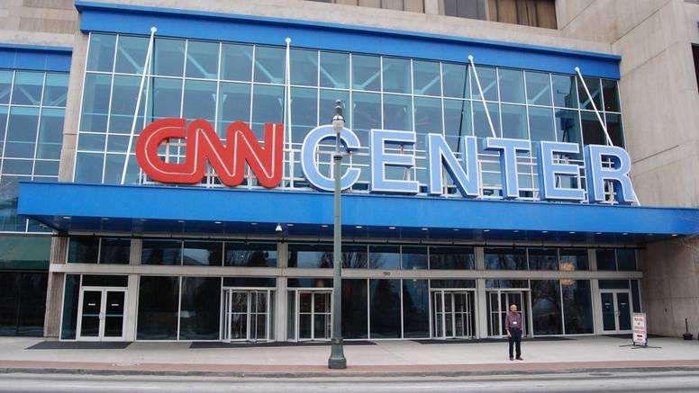 CNN otpustio troje zaposlenih, došli su na posao necijepljeni