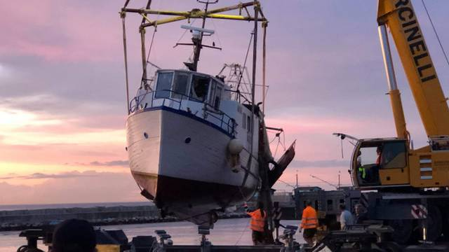 Krenuli s Lošinja u ribarenje, zaspali su i završili u Italiji