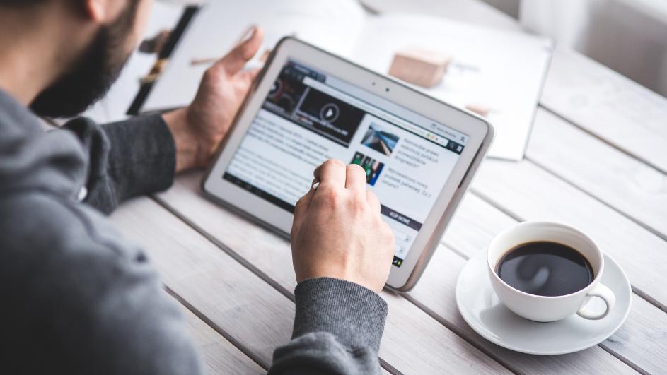 Kako posuditi novac putem interneta u roku jednog dana?