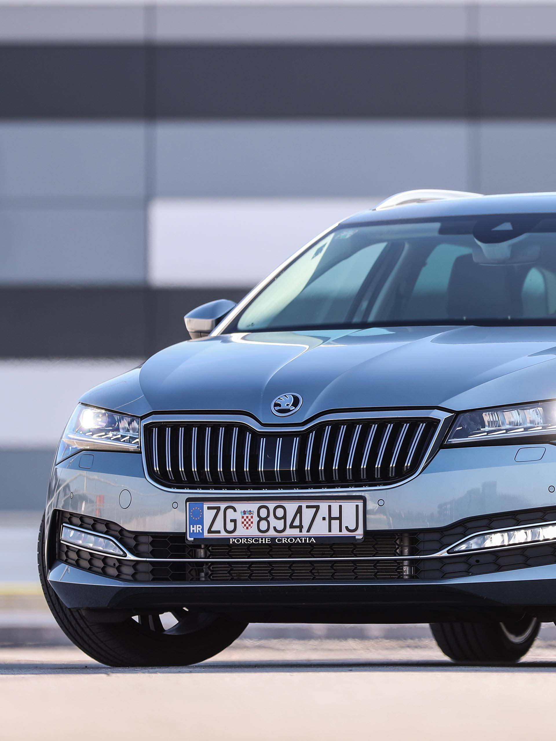 Škoda Superb je prostran i udoban automobil bez mane