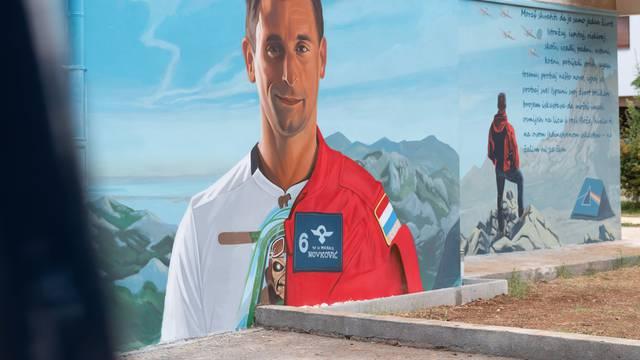 U Zadru oslikali mural u spomen preminulom pilotu Novkoviću