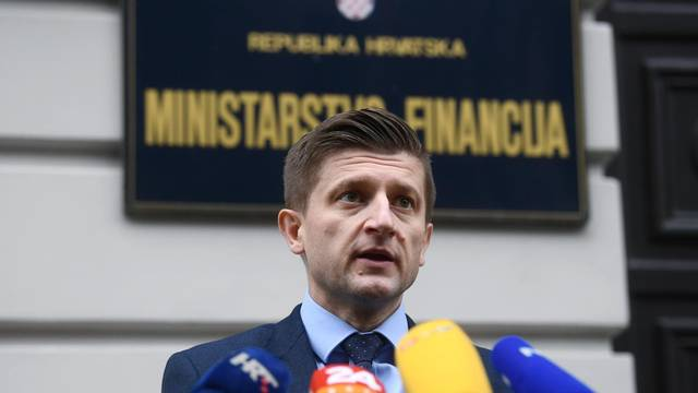 Zagreb: Ministar financija Zdravko Marić dao izjavu o padu BDP-a