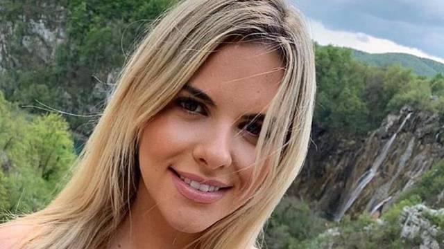 Nina Martina se skinula u badić pa pozirala: 'Krasna si prirodna'