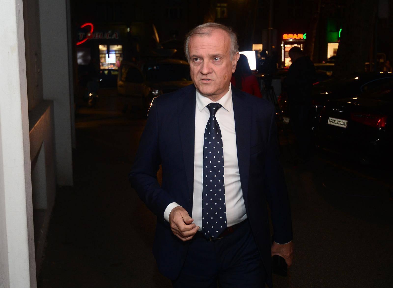 Zagreb: Dolazak članova HDZ-a na sjednicu Predsjedništva i Nacionalnog vijeća