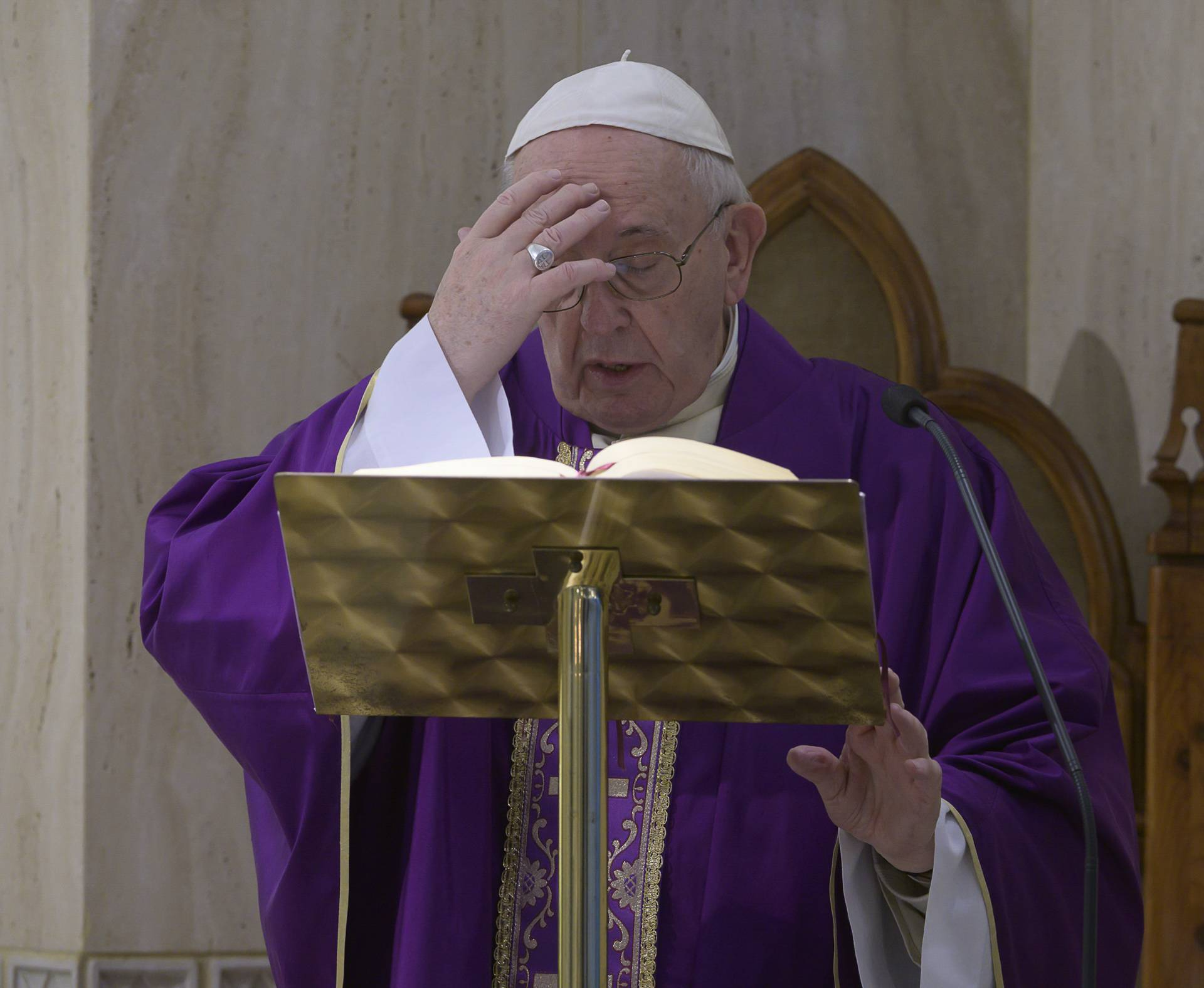 March 27,2020  : Pope  Francis celebrates a mass in Saint Marta at the Vatican