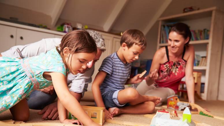 Potaknite intelektualni razvoj svoje djece da bi bila uspješna